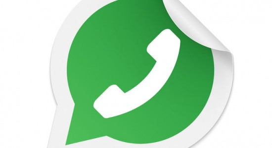 41680449 - green phone handset in speech bubble icon